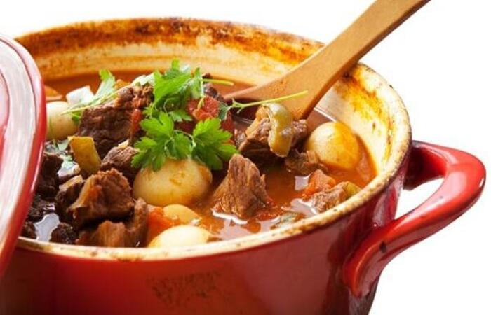 Sử dụng mù tạt và một số gia vị ướp sẽ giúp thịt bò nhanh mềm hơn