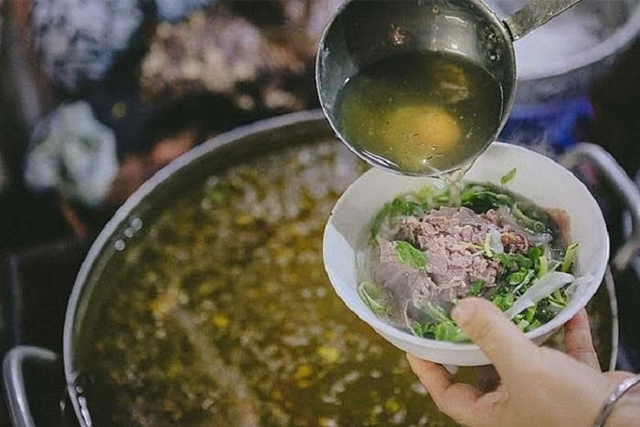 Thay vì dùng xương ống bạn có thể ninh thịt nấu nước dùng