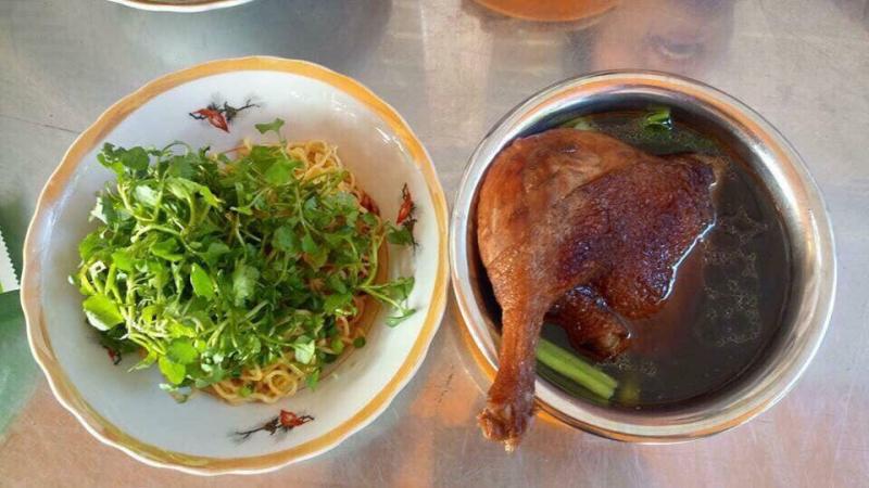 8 quán mì vịt tiềm ngon tại Sài Gòn