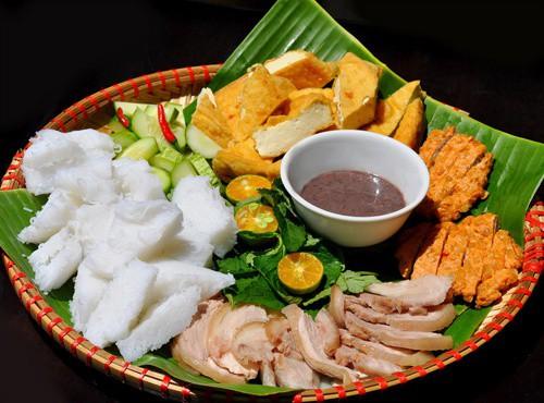 Bún Lá thường dùng làm nguyên liệu để thưởng thức món bún đậu mắm tôm